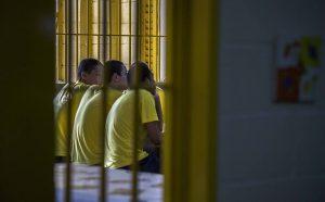 512657-970x600-1-300x186 Cresce apoio para redução da idade penal somente para crimes graves