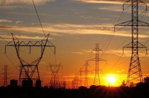 energia-300x199 Aneel: conta de luz pode ter bandeira amarela ou até verde em dezembro