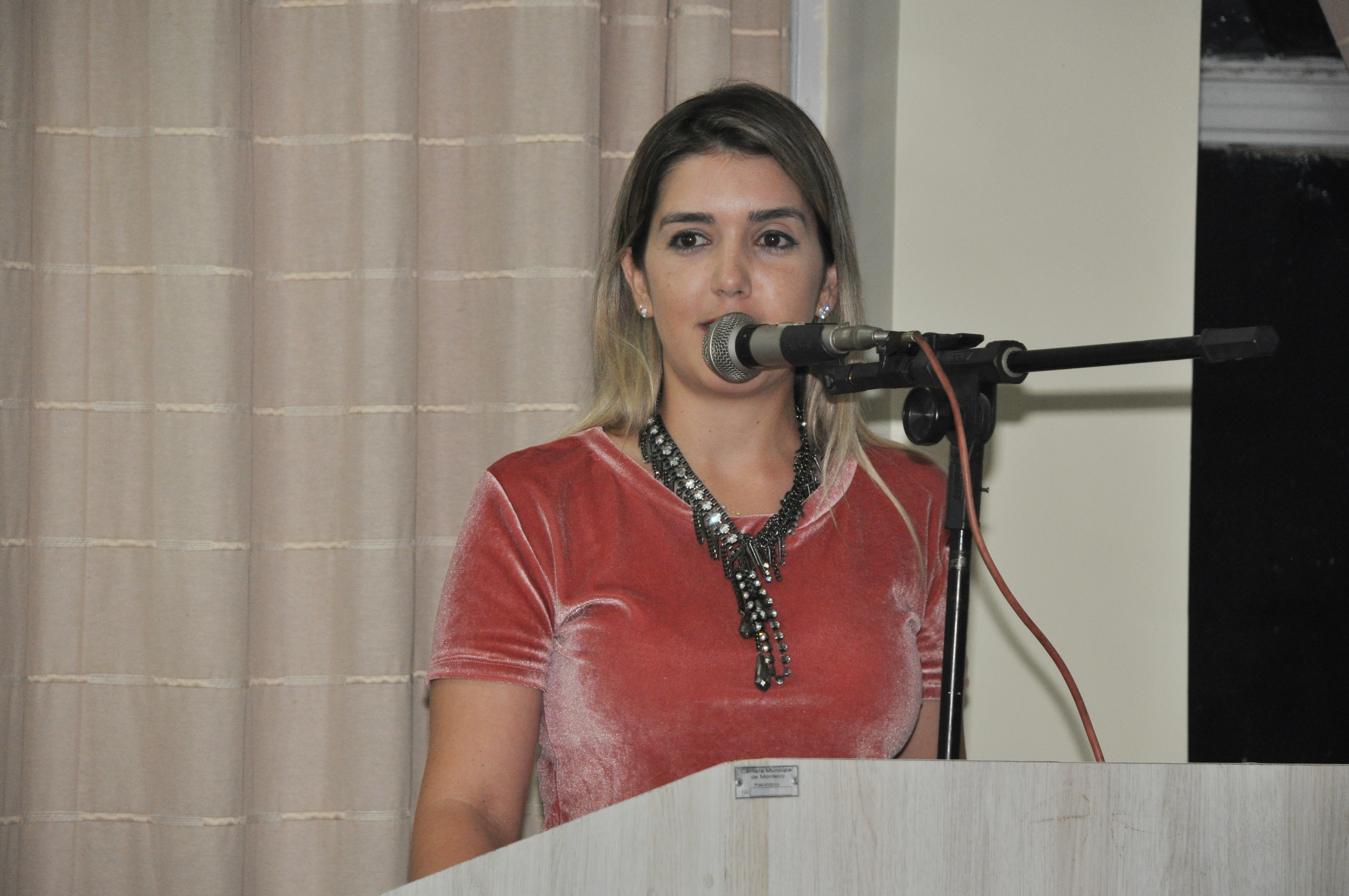 lorena_camara_audi_2-300x199 Em nota, prefeita Anna Lorena diz que 2018 será de muitas realizações em Monteiro