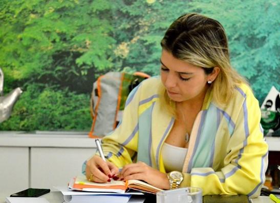 lorena_despacho Prefeita de Monteiro terá despachos administrativos com equipe de auxiliares