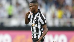 xinfochpdpict000073464834.jpg.pagespeed.ic_.AresrDdKMS-300x169 Sem dinheiro para reforços, Botafogo aposta em promessas da base