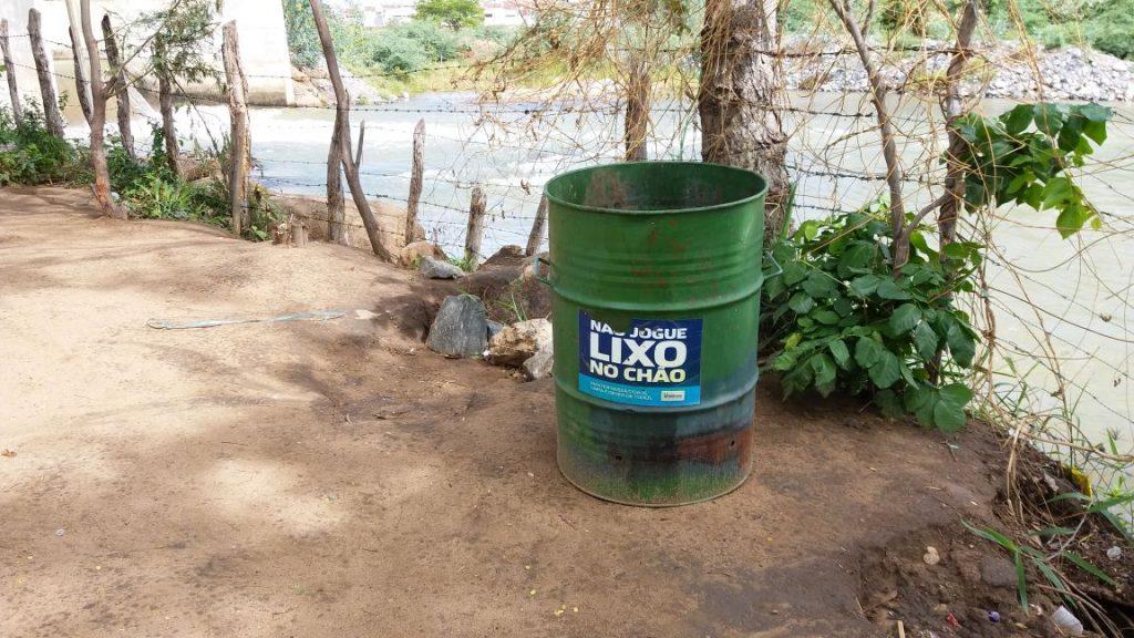 5c73facf-c862-4e98-9a30-9e625408cc27-1024x576 Banhistas põem em risco a preservação do Rio São Francisco em Monteiro.