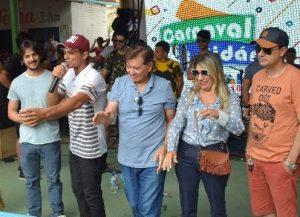 edna_jh_camalau-300x217 Deputados e pré-candidatos participam do carnaval molhado de Camalaú