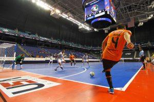 novas-regras-do-futsal-300x200 Fifa aprova mudanças nas regras do futsal, que terá laterais cobrados com as mãos