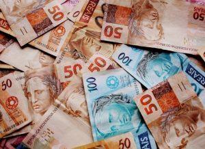 timthumb-10-300x218 Justiça sequestra R$ 25 mi do Estado para pagamento de precatórios