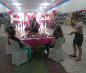 40a3db0e-96d2-4a9f-aa2a-bcbedef0a05f-300x255 Lojas OLINDINA, realiza dia especial à mulher com café da manhã e muitas promoções