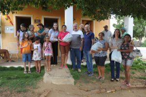 lorena-visita-_-003-300x200-300x200 Prefeita de Monteiro visita comunidades rurais para ouvir pleitos dos moradores e distribui chocolates