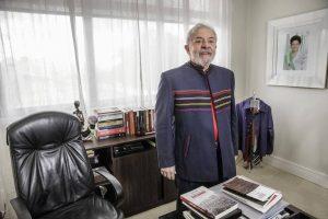 lula-2018-300x200 'Não vou me matar nem fugir do Brasil. Vou brigar até o fim', diz Lula
