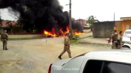 policia-sc-418x235 Helicóptero sequestrado cai em Joinville (SC)
