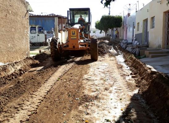 timthumb-16 Prefeitura de Monteiro inicia mais obras de pavimentação em cinco ruas da cidade