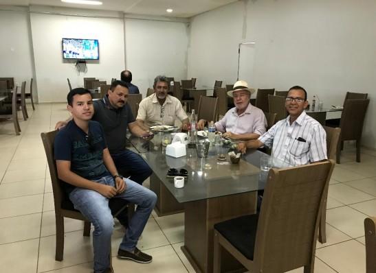 timthumb-19 Batinga se reúne com lideranças políticas de Camalaú e do Cariri