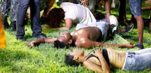 torcedores-sao-atendidos-apos-incidente-na-ilha-do-retiro-1520476577033_615x300 Santa Cruz e Sport: confusão de torcida com PM deixa 60 feridos