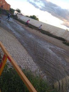 ACUDE-MONTEIRO-225x300 Açude público de Monteiro sangra após chuvas