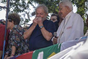 Fachin-nega-liminar-para-suspender-prisão-de-Lula-300x200 Fachin nega liminar para suspender prisão de Lula