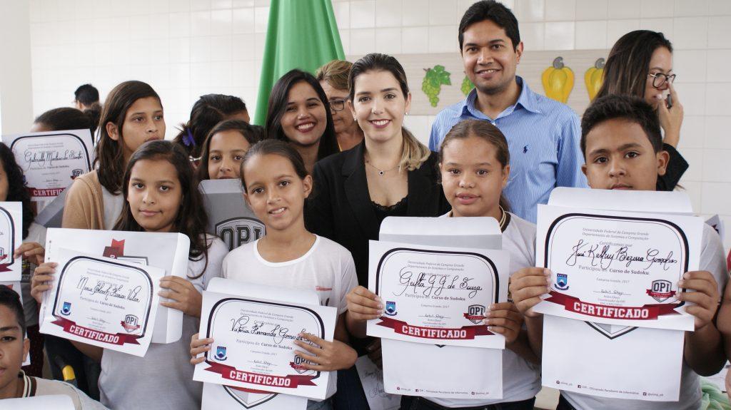 Prof-Rohit_Entrega-Certificados1-1024x575 Alunos da Rede Municipal receberão medalhas da Olimpíada Monteirense de Informática