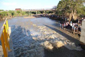 Trans-do-S-F-solenidade-do-Eixo-Leste-do-Rio_-300x200 Símbolo da transposição, Monteiro está sem água