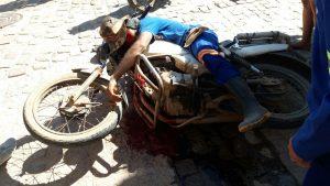 homicidio-em-Monteiro-300x169 Homem é morto a tiros em frente a Cagepa em Monteiro