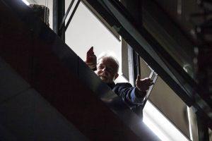 lula-preso-300x200 Lula entra com novo habeas corpus para evitar prisão