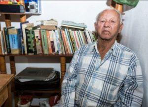 timthumb-25-300x218 Artista popular lança livro de poesias e contos de humor no Cariri