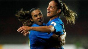 xselecao-brasileira.jpg.pagespeed.ic_.JT2d40M_mV-300x169 Brasil vence a Colômbia por 3 a 0 e conquista a Copa América de futebol feminino