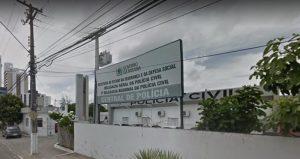 Central-de-Polícia-Campina-Grande-800x424-300x159 Mulher mata marido a facadas e se entrega à Polícia em Campina