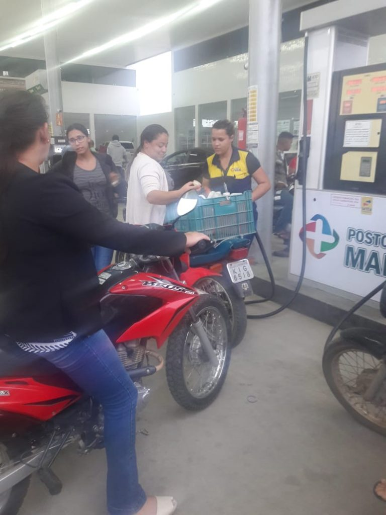 IMG-20180530-WA0030-768x1024 Em Monteiro: Postos de gasolina começam a receber combustível