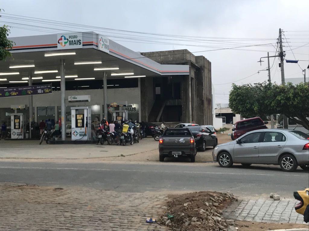 IMG-20180530-WA0037-1024x768 Em Monteiro: Postos de gasolina começam a receber combustível