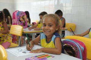 aluna_monteiro-300x200 Prefeitura de Monteiro suspende aulas da rede municipal de ensino por falta de combustível
