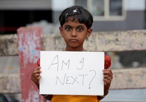 india-rape-2018-04-16t115823z-1732011068-rc177cee64e0-rtrmadp-3-india-rape-sivaram-v-reuters-300x209 Polícia prende 22 pessoas após três casos de estupro COMENTÁRIOS: 06/05/2018 às 17h16 •