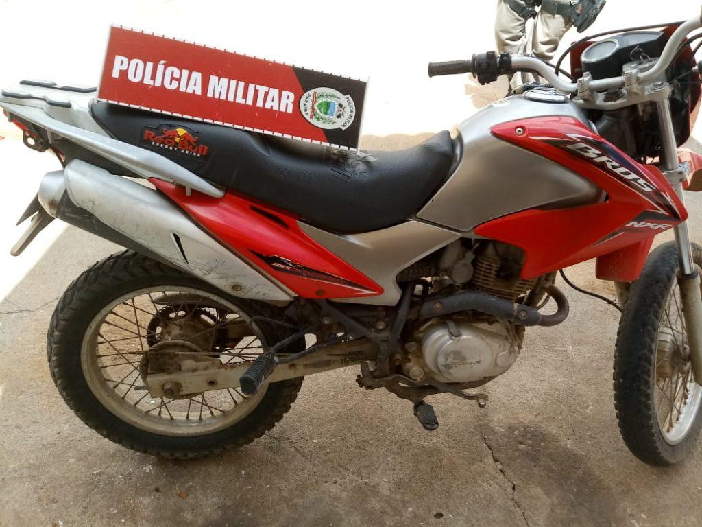 moto-roubada-1024x768 Moto utilizada em assalto é encontrada abandonada em matagal na BR-110 em Monteiro.