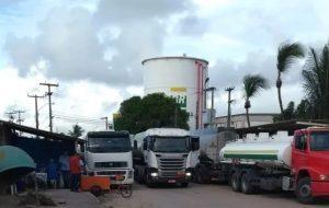 protesto-no-porto-cabedelo-300x190-300x190 Protesto em Cabedelo impossibilita abastecimento nos Postos da Grande JP