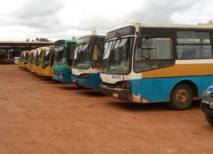 timthumb-5-300x218 Estado não paga transportes escolares e ônibus deixam de circular em Monteiro