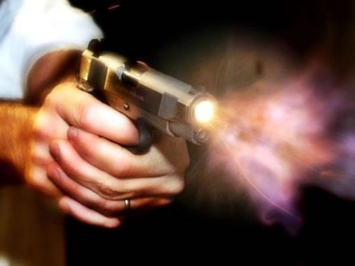 tiro-arma-de-fogo Homem é assassinado com um tiro na cabeça na região do Cariri