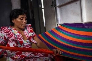 ndios-venezuelanos-relatam-confisco-de-artesanato-no-Brasil-300x200 Índios venezuelanos relatam confisco de artesanato no Brasil