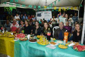 0f0d07e1-f5af-4189-b2eb-18625378e57f-300x200 Confira fotos do Festival de Quadrilhas Juninasde Monteiro