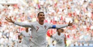1529491952_996265_1529500704_noticia_normal_recorte1-300x154 Cristiano Ronaldo decide mais uma vez e Portugal bate Marrocos