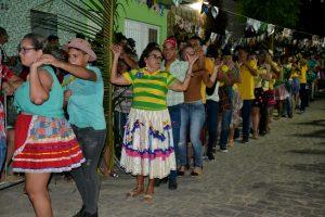 2184094e-38f9-49a3-8cf6-65d5732666a6-300x200 Confira fotos do Festival de Quadrilhas Juninasde Monteiro