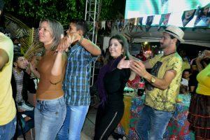 270fcf1e-d6dc-4350-a14d-c950ca17866d-300x200 Confira fotos do Festival de Quadrilhas Juninasde Monteiro