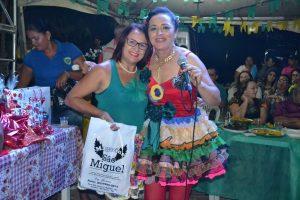 2932bc49-fb7f-419b-a7b7-a4ff587a02dd-300x200 Confira fotos do Festival de Quadrilhas Juninasde Monteiro
