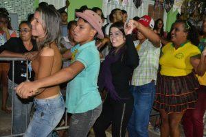 5c1b616f-5c1a-47bc-bb28-3f7387aaa18f-300x200 Confira fotos do Festival de Quadrilhas Juninasde Monteiro