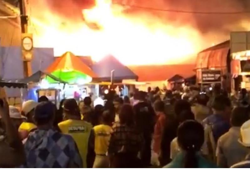 PPPPL Incêndio de grandes proporções atinge Parque do Povo em Campina Grande