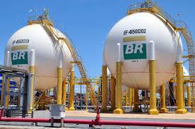 download-1 Petrobras aumenta preço da gasolina em 2,25% nas refinarias