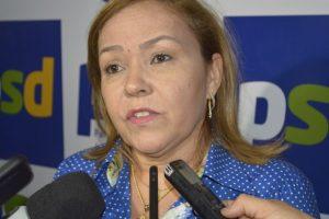 eava-696x464-300x200 Eva Gouveia desiste de disputar a Câmara Federal