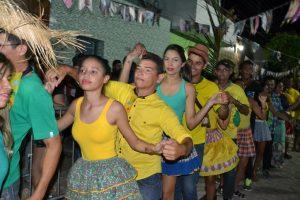 ec6162b5-e3cb-487a-91ee-ea76d0ef20bd-300x200 Confira fotos do Festival de Quadrilhas Juninasde Monteiro