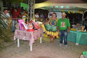 f5ba1f3c-a71f-4f06-b17b-b5146fb4c459-300x200 Confira fotos do Festival de Quadrilhas Juninasde Monteiro
