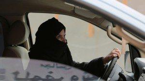 saudi-araba-fran-1-300x168 Homens sauditas se irritam com mulheres dirigindo