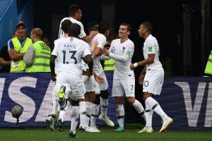000_1785RX-300x200 Duelo entre França e Bélgica abre as semifinais da Copa do Mundo