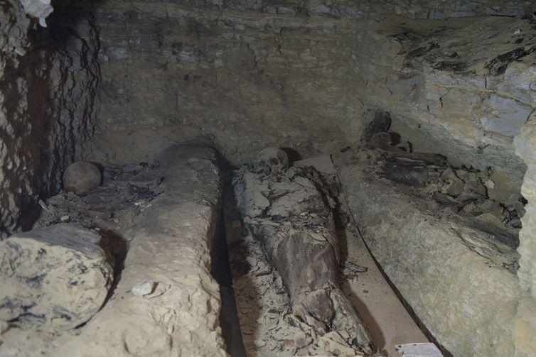 636671805541041059-1 Ossos em sarcófago no Egito são de guerreiros e não de Alexandre Magno