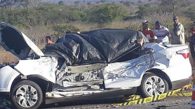 800-800x445 Acidente envolvendo três veículos deixa saldo de um morto nas placas em PE