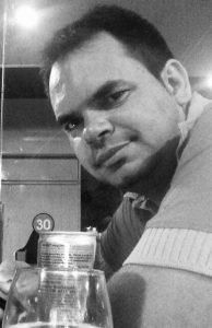 88d0e278-24b2-48af-aede-b0316b6237d3-194x300 Exclusivo: Caminhoneiro monteirense morre em acidente na Fernão Dias MG